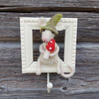 Suomalainen käsityö huovutettu hiiritaulu kärpässieni sisustus koriste
